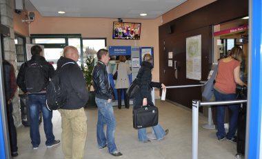 Écran TV à la gare de Rambouillet