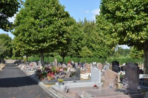 intérieur cimetière des éveuses-2018août22-4